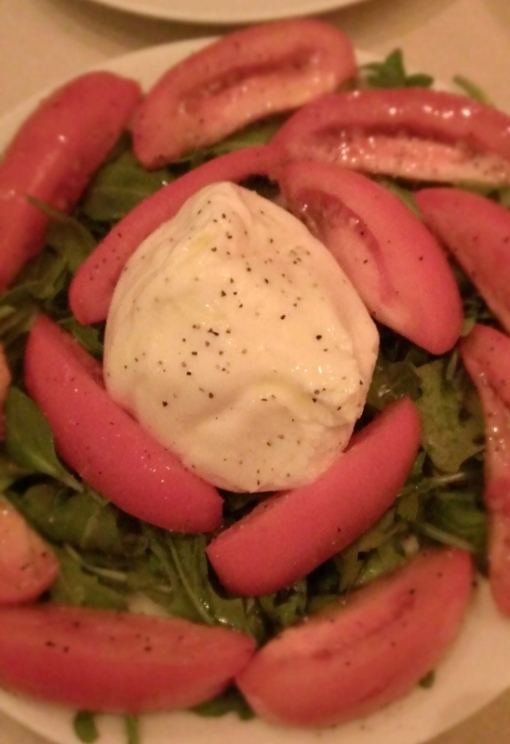 burrata salad with tomatoes and arugula