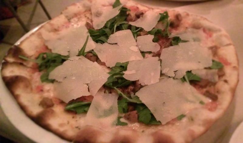 porcini and arugula pizza